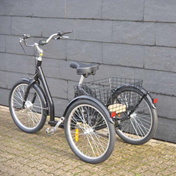 Senior El-cykel med plads til indkøb