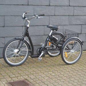 Senior El-cykel med stor kurv til varer